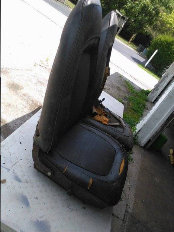 2016 Dodge Barracuda >> 1970 plymouth barracuda bucket seats $450.00   For E Bodies Only Mopar Forum