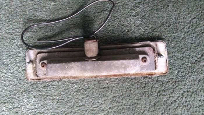 cuda license plate lamp1.jpg