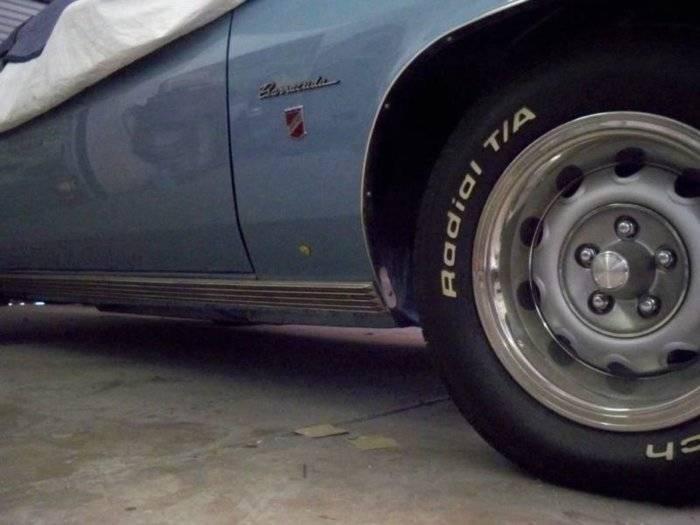 Gran coupe molding 2.jpg